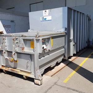 Container bei Hackenbuchner Entsorgung